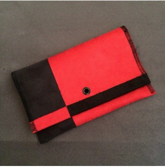Black&red tobacco pouch