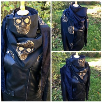 Reversible Scarf GoldSkull